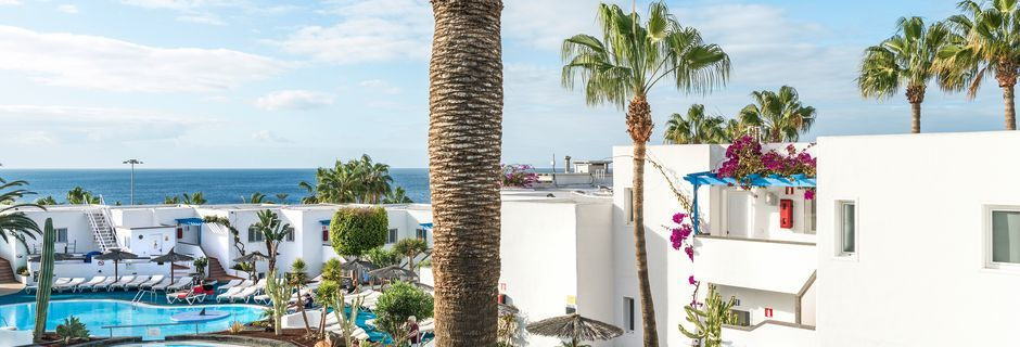 Poolområdet på hotel Parque Tropical i Puerto del Carmen, Lanzarote