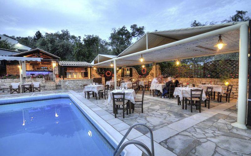 Pool på hotel Paxos Club på Paxos, Grækenland