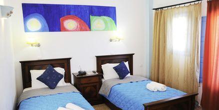 Superior-værelse på Perissa Bay på Santorini.