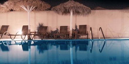 Pool på Hotel Perissa Bay på Santorini.
