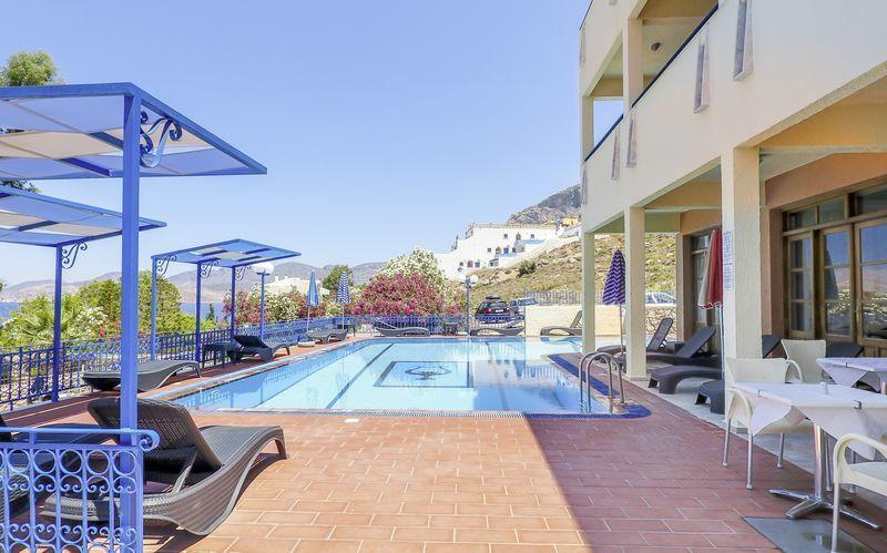Poolområde på Hotel Philoxenia på Kalymnos, Grækenland