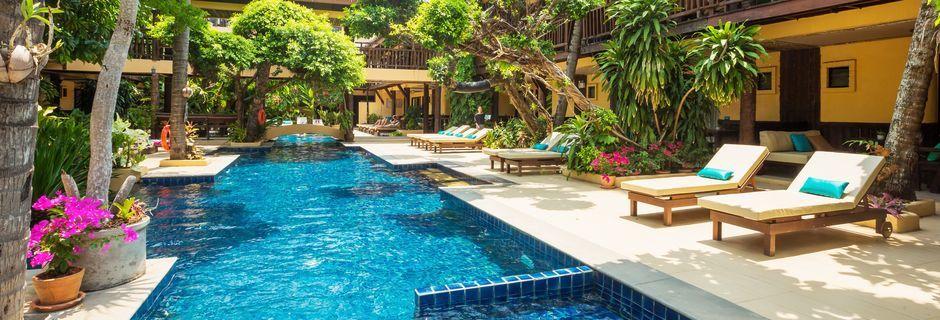 Poolområde på Hotel Phra Nang Inn på Krabi, Thailand.