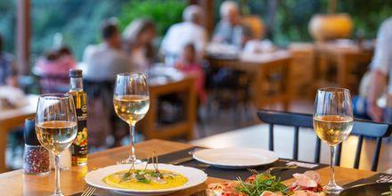 Nyd den traditionelle græske mad.