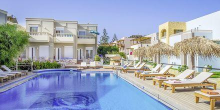 Poolområde på Hotel Platanias Mare på Kreta, Grækenland.