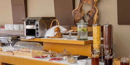 Morgenmad på Hotel Platanias Mare på Kreta, Grækenland.