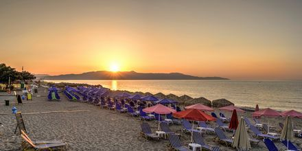 Stranden ved Hotel Platanias Mare på Kreta, Grækenland.