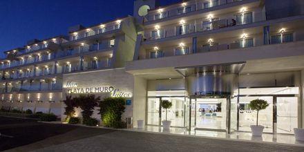 Indgang ved Hotel Playa de Muro Suites på Mallorca.