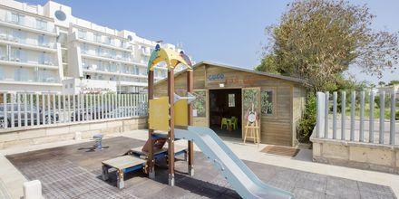Legeplads på Hotel Playa de Muro Suites på Mallorca.