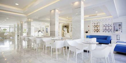 Lobby på Hotel Playa de Muro Suites på Mallorca.
