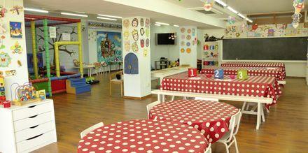 Børneklub på Playa Esperanza Suites på Mallorca, Spanien.