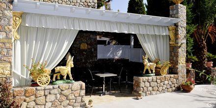 Restaurant på Hotel Polydefkis i Kamari på Santorini, Grækenland.
