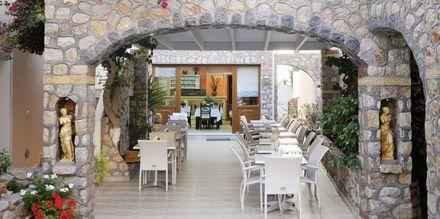 Restaurant på Hotel Polydefkis.