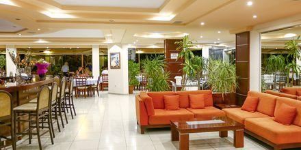 Lobby på Hotel Poseidonia i Ixia på Rhodos, Grækenland.