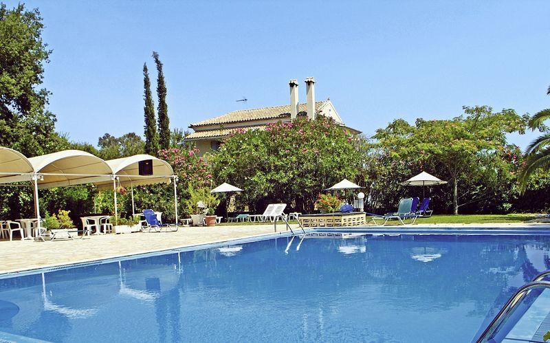 Poolen på Hotel Primavera i Dassia, Korfu
