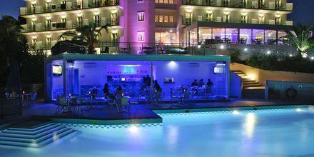Poolbaren på Princessa Riviera Resort på Samos, Grækenland