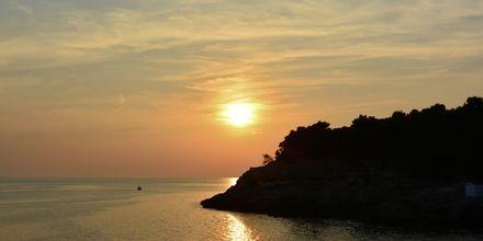 Solnedgang over Pula, Kroatien.