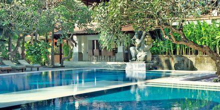 Poolen på Hotel Puri Santrian i Sanur, Bali.