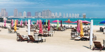 Offentlig strand i det centrale Doha, Qatar.