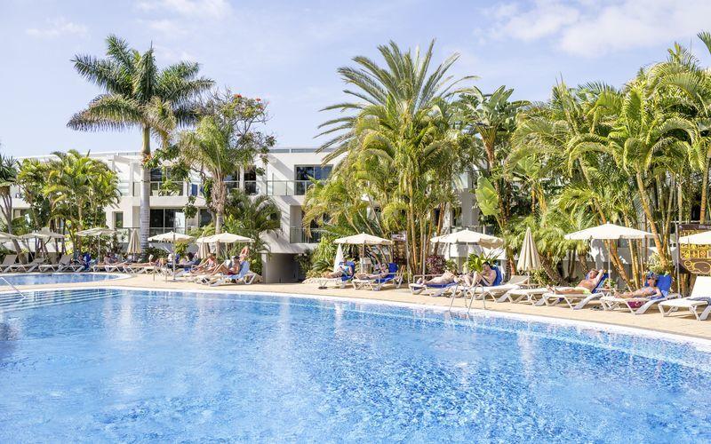 Poolområde på R2 Bahia Design Hotel & Spa på Fuerteventura, De Kanariske Øer
