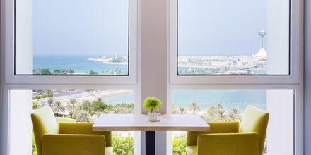 Lounge på Hotel Radisson Blu Hotel & Resort Abu Dhabi Corniche, Abu Dhabi.