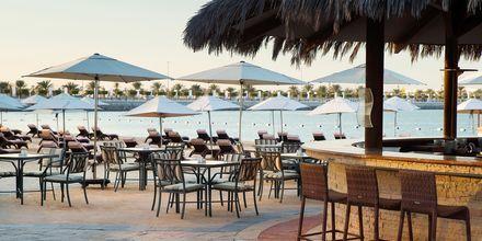 Beach Bar på Hotel Radisson Blu Hotel & Resort Abu Dhabi Corniche, Abu Dhabi.