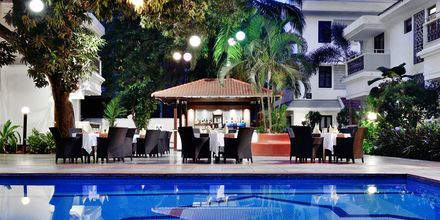 Poolområde på Radisson Goa Candolim, Goa