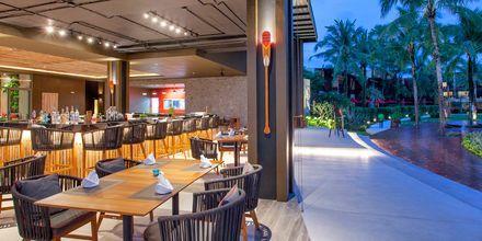 Bar på hotel Hotel Ramada Resort Khao Lak, Thailand.