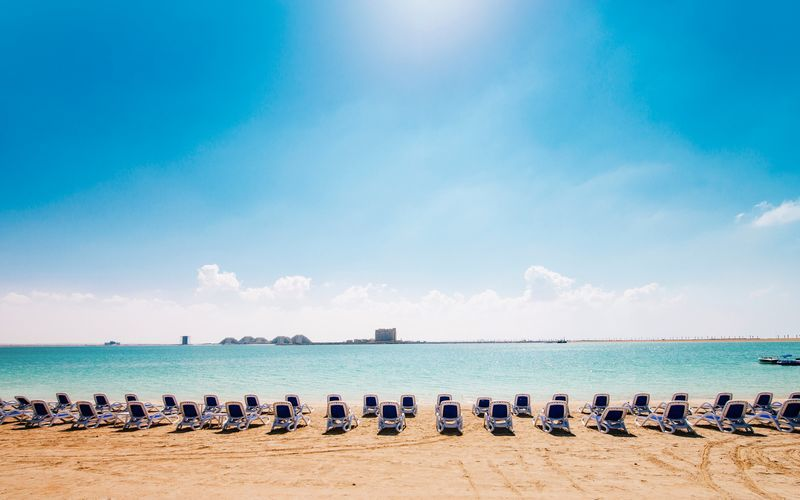 Stranden i Ras Al Khaimah, De Forenede Arabiske Emirater.