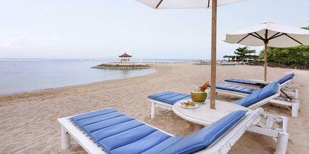 Stranden ved Respati Beach i Sanur på Bali, Indonesien.