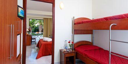Deluxe-værelse på Hotel Rethymno Mare Resort på Kreta, Grækenland.