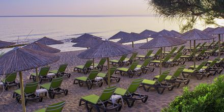 Stranden ved hotel Rethymno Palace i Rethymnon på Kreta, Grækenland.