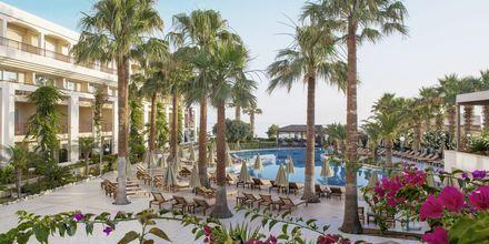 Poolområdet på hotel Rethymno Palace i Rethymnon på Kreta, Grækenland.
