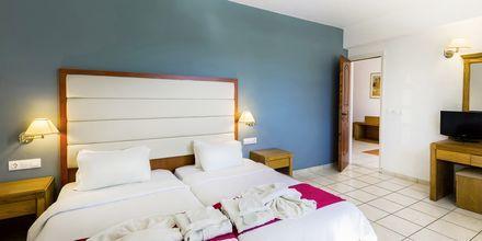 2-værelses lejlighed på Hotel Rethymno Residence ved Rethymnon Kyst på Kreta, Grækenland.