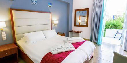 Dobbeltværelse på Hotel Rethymno Residence ved Rethymnon Kyst på Kreta, Grækenland.