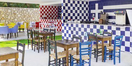Snackbaren GrEat Restaurant på Hotel Rethymno Residence ved Rethymnon Kyst på Kreta, Grækenland.