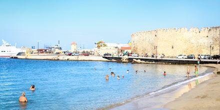 Eli Beach ved Rhodos by, Rhodos i Grækenland.
