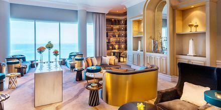 Club loungen er døgnåben på Ritz-Carlton Doha i Doha, Qatar.