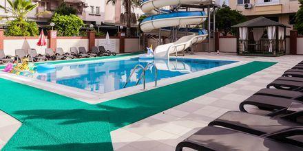 Poolområdet på Hotel Riviera Apart i Alanya, Tyrkiet.