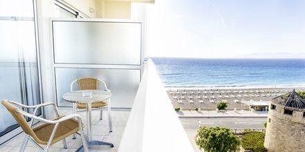 Udsigt fra dobbelt-/enkeltværelse på Hotel Riviera på Rhodos, Grækenland.