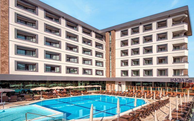 Poolområdet på Hotel Riviera Zen i Alanya, Tyrkiet.