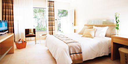 Dobbeltværelse Garden Wing på hotel Rodos Palace på Rhodos, Grækenland.
