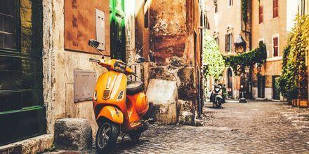 Hyggelige stræder i Rom, Italien.