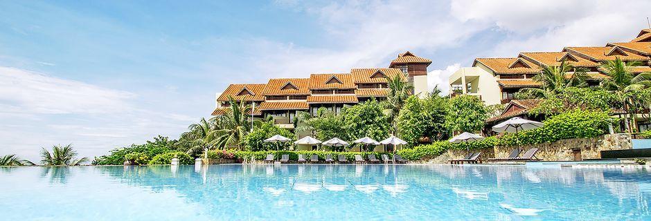 Poolområdet på hotel Romana Beach Resort i Phan Thiet