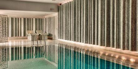 Indendørspool på Salvator Hotel Villas & Spa i Parga, Grækenland