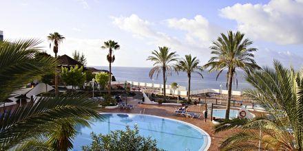 Poolområde på Hotel Sandos Papagayo Beach Resort på Lanzarote, De Kanariske Øer