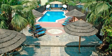 Poolområdet på Hotel Santa Maura på Lefkas, Grækenland.