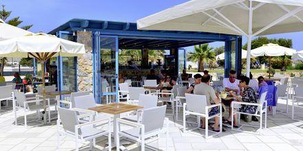 Snackbar på Hotel Santo Miramare Resort på Santorini, Grækenland.