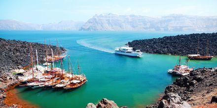 Bådtur til vulkanøen Nea Kameni på Santorini, Grækenland.