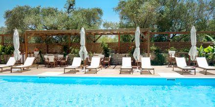 Poolen ved Hotel Sappho i Parga, Grækenland.