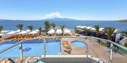 Poolområde på Hotel Saranda Palace i Albanien